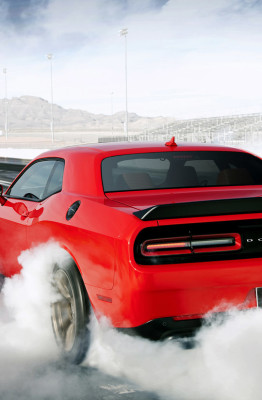 dodge hellcat chrysler challenger production