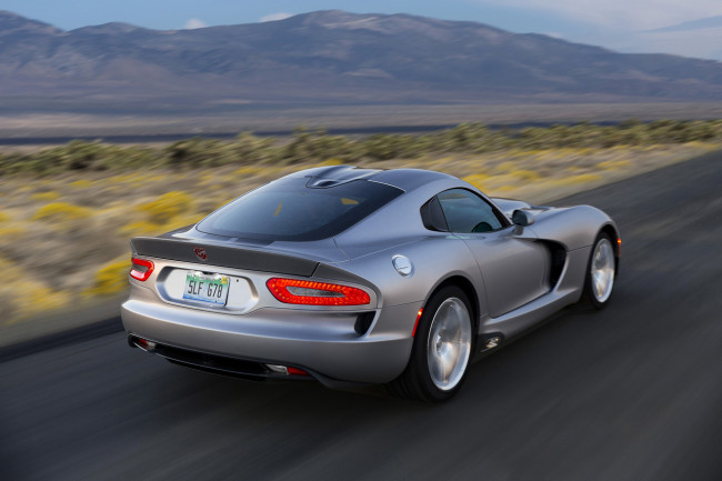 2015 Dodge Viper SRT; Willow Springs Raceway, Rosamond, California; November 2013 (Richard Prince/SRT Photo)