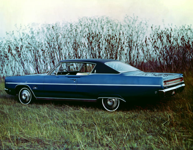 1968_Plymouth_Sport_Fury