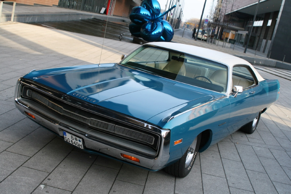 1971_Chrysler_Three_Hundred_-_Flickr_-_denizen24_(1)