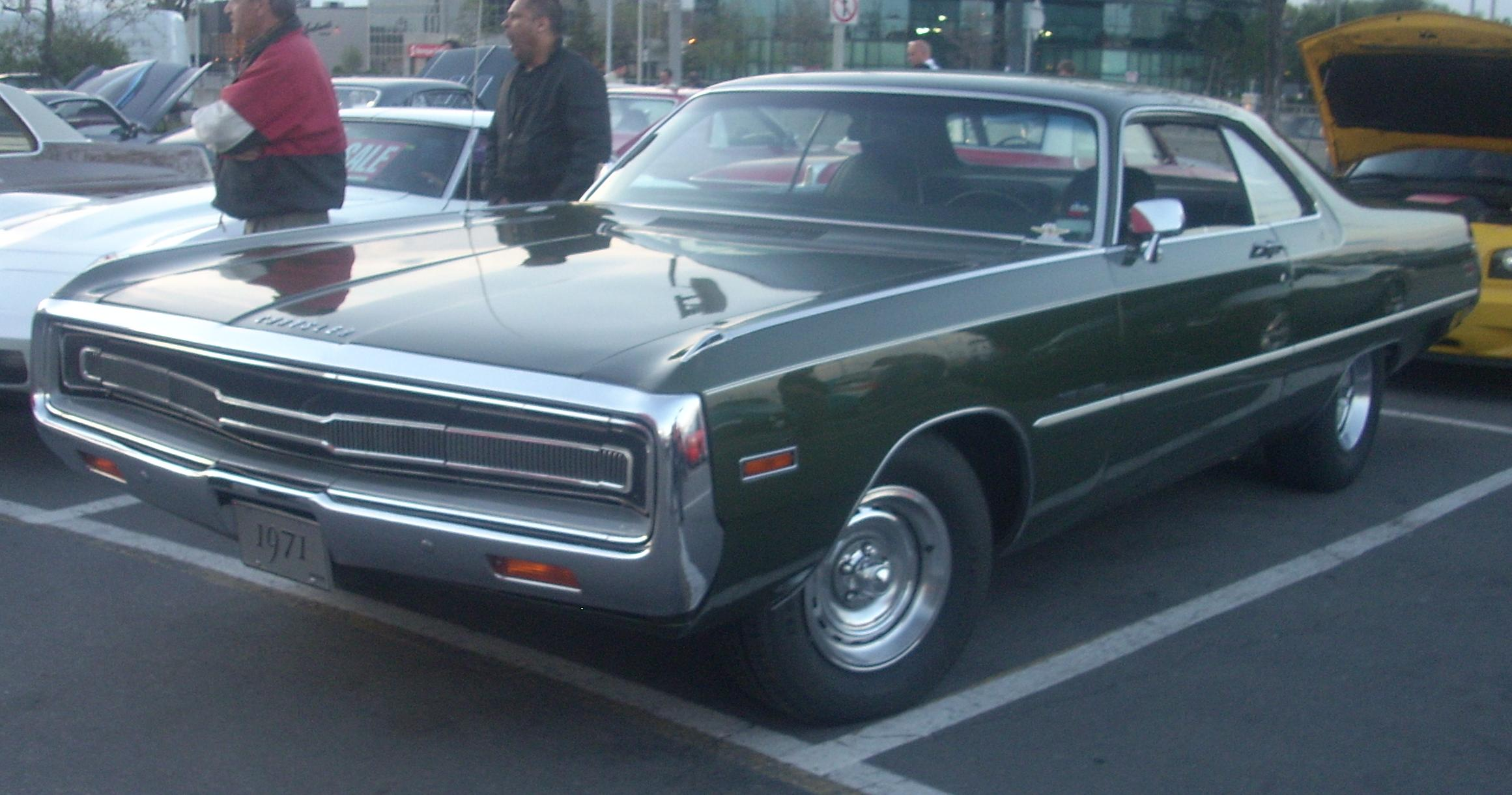 '71_Chrysler_300_(Orange_Julep_'10)