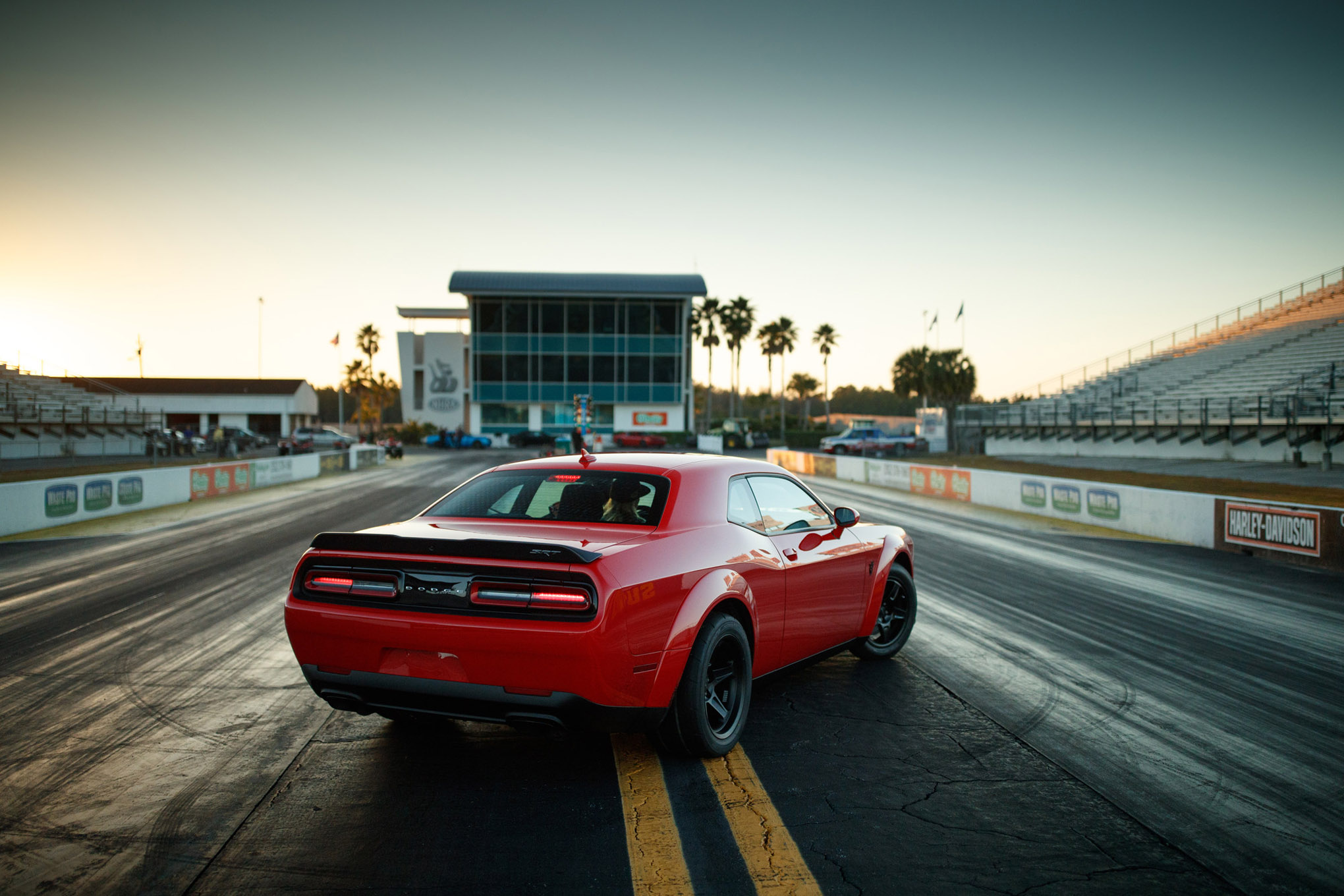 020-2018-dodge-demon.jpg