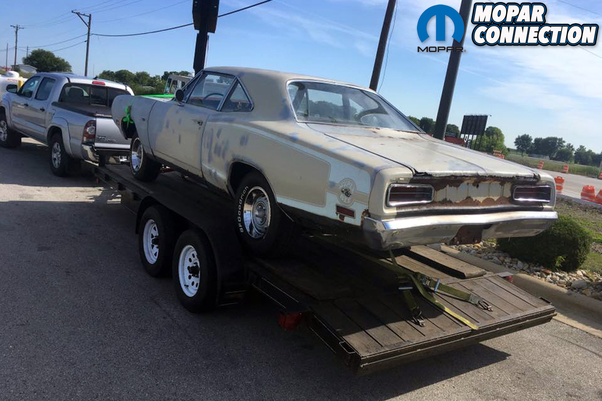 Introducing The ZomBEE, Mopar Connection\'s Rat-Touring 1970 Dodge ...