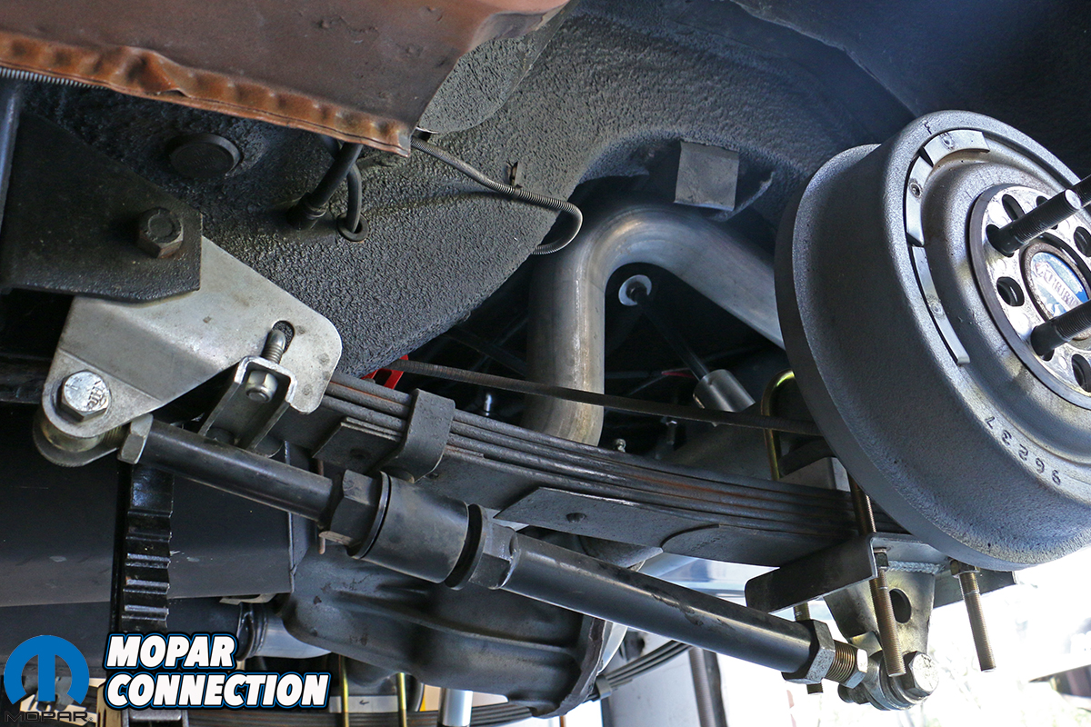 Caught In A Bind Eliminating Leaf Spring Binding With Calvert Racing S Caltracs Rear Suspension Kit Mopar Connection Magazine A Comprehensive Daily Resource For Mopar Enthusiast News Features And The
