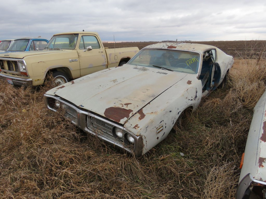 1971 Dodge Charger 318; $300