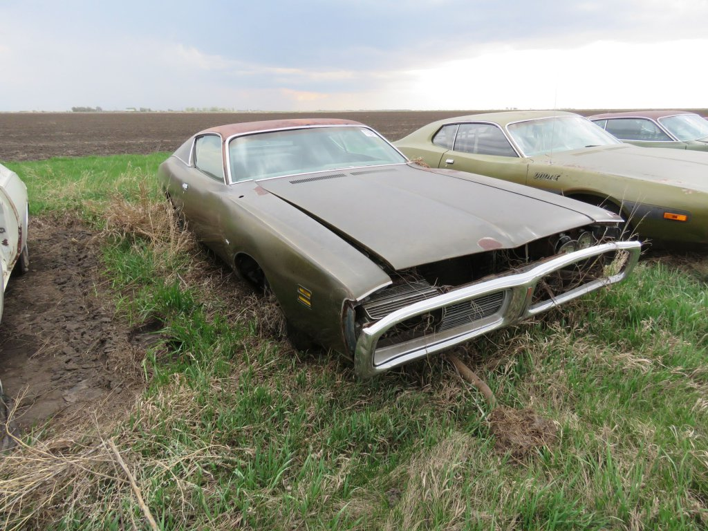 1971 Dodge Charger 500 318; $1,000