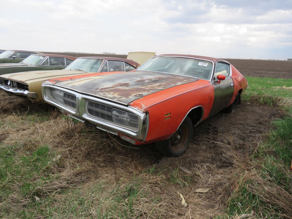 1971 Dodge Charger SE 383 4 Speed; $5,000
