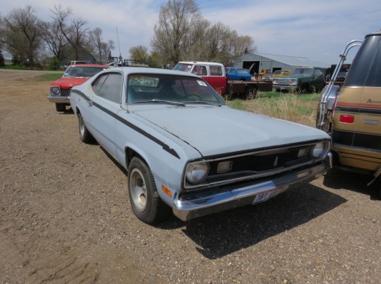 1971 Plymouth Duster 318 4 Speed; $6,000