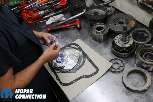 Putting The Fight Back Into a 727 TorqueFlite With a TCI Auto Super