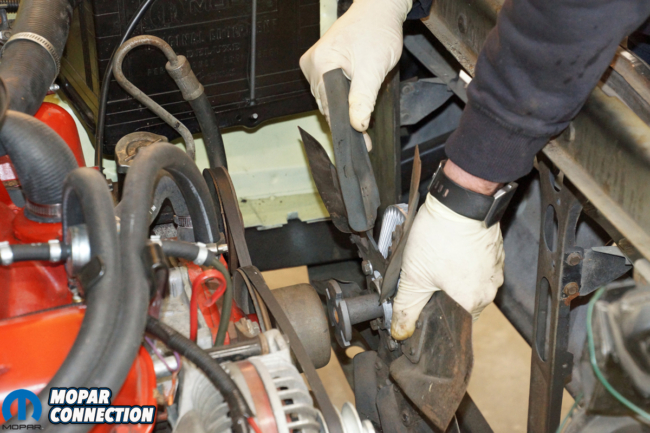 006-hughes-engines-cloyes-timing-chain-tensioner-mopar-fan-removal