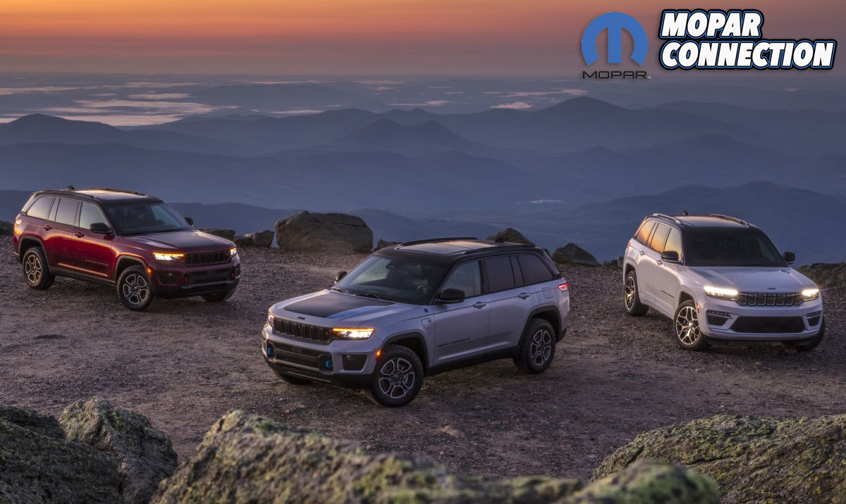 (Left to right) All-new 2022 Jeep® Grand Cherokee Trailhawk, 20